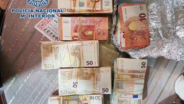 Rtdo. Nota De Prensa Y Foto 'La Policía Nacional Desarticula 6 Puntos De Venta D