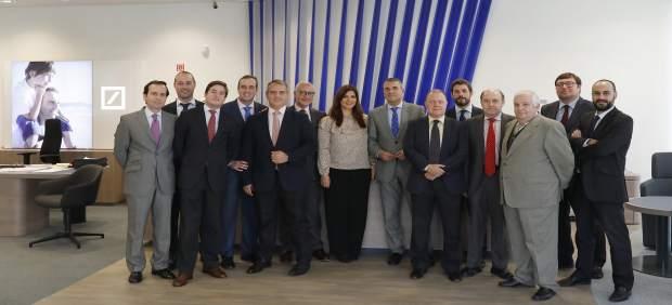 Deutsche bank inaugura una nueva oficina en sevilla donde for Oficinas cajasol sevilla