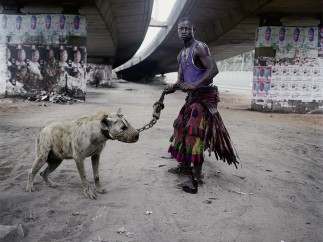Pieter Hugo - ABDULLAHI MOHAMMED WITH MAINASARA, LAGOS, NIGERIA, FROM THE SERIES 'GADADWAN KURA' - THE HYENA MEN SERIES II, 2005-2007