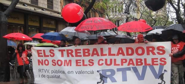 Manifestación de extrabajadores de RTVV en el tercer aniversario del cierre