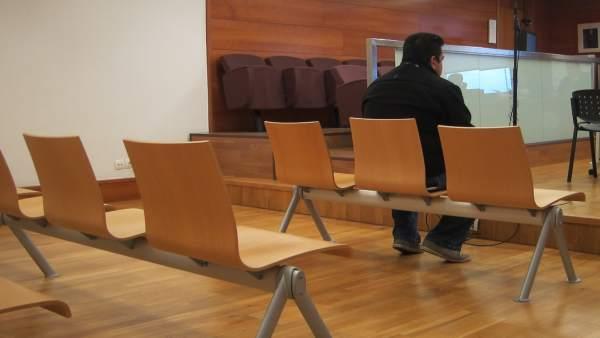 Suspès a Castelló un juí contra un acusat de segrestar dos menors en no comparèixer les víctimes