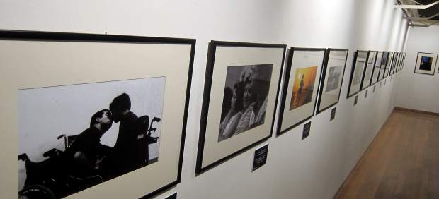 Exposición sobre discapacidad en la sala de exposiciones de las Escuelas Menores