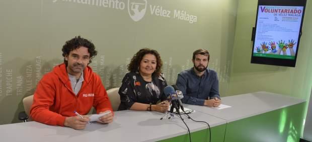 Cynthia García, Christian de la Cruz y Francisco Sánchez en la presentación.