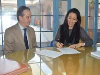 Sánchez y Rodríguez firman el convenio