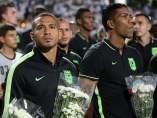 Jugadores del Atlético Nacional de Medellín rinden tributo al Chapecoense