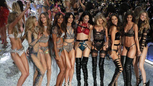 Victoria's Secret cancela su desfile de lencería  384053-600-338