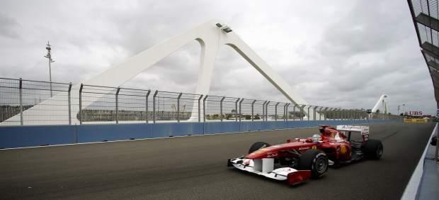 Fernando Alonso Durante Los Libres Del GP Europa