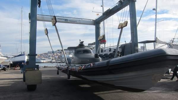 Botadura de un dron marino en Vigo.