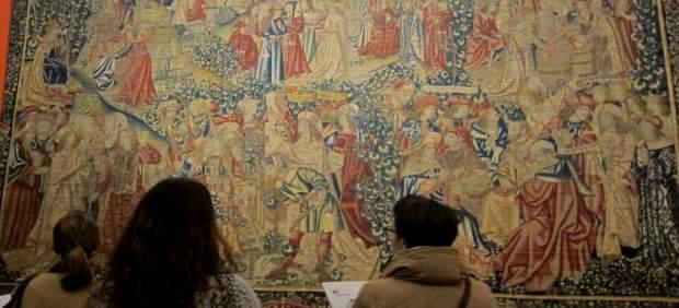 """Tornen a València quatre tapissos del Col·legi del Patriarca després de més de 20.000 hores de restauració """"única"""""""