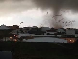 Un tornado causa daños materiales en Palos de la Frontera.