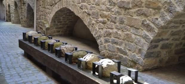 Restos de la muralla medieval en la belena de Portalapea.
