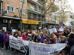 Casi mil personas piden dimitir al alcalde de Alcorcón por sus palabras sobre el feminismo