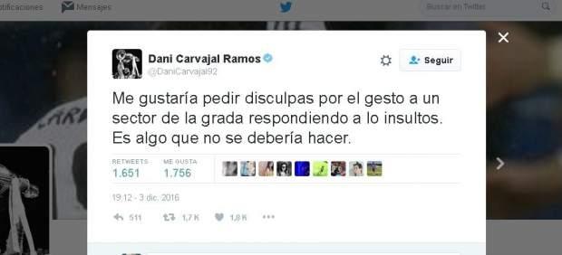 Carvajal hace una 'peineta' al público del Camp Nou y se disculpa después en Twitter