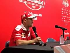 """Vettel descarta fichar por Mercedes: """"Tengo contrato vigente"""""""