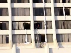Al menos 11 muertos y 75 heridos en un gran incendio en un hotel de Pakistán