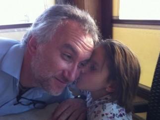 Nadia y su padre.