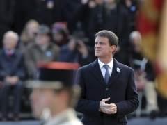 Valls da su apoyo a Macron para evitar la victoria de Le Pen