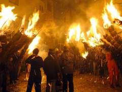 Una fiesta de fuego y retama en Jarandilla de la Vera