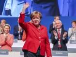 Angela Merkrel, reelegida líder de la CDU