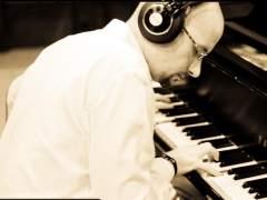El director musical de Juan Gabriel lanza su primer disco