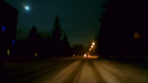 Un meteorito ilumina la noche en Rusia