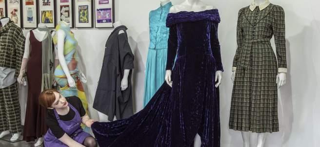 Subastan tres vestidos de Lady Di
