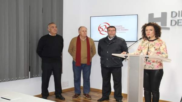 La vicepresidenta de la Diputacion Huelva, María Eugenia Limón, firma convenios.