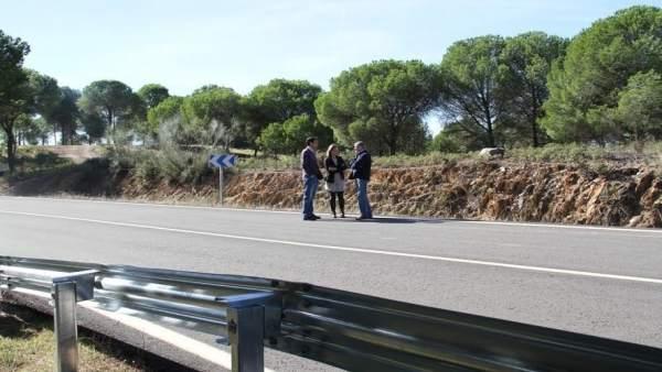 Diputacion Huelva arregla la carretera entre Nerva y la Rivera del Jarrama.