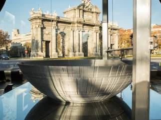"""La """"factoría"""" de la Estrella de la Muerte, en la Plaza de la Independencia (Madrid)."""