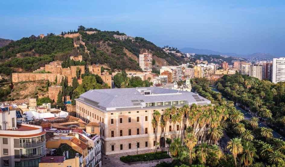El Museo de Málaga, en el Palacio de la Aduana, abre sus puertas tras casi do...
