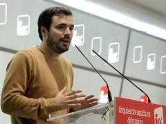 Garzón contesta a Errejón que IU no quiere fusionarse con Podemos