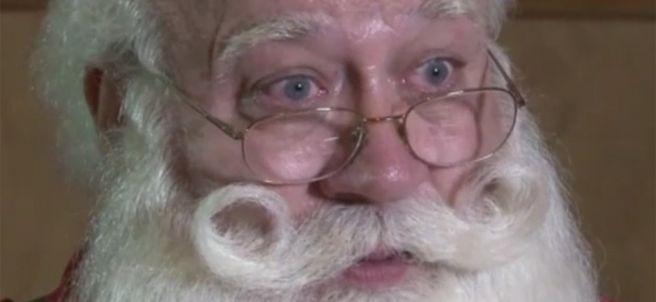 Así es el Papá Noel al que se le murió un niño en brazos