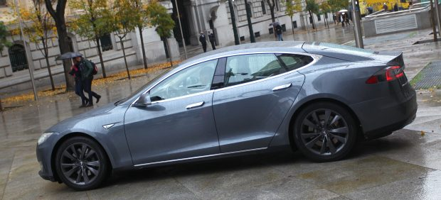 Tesla desembarca en Madrid de la mano de Uber