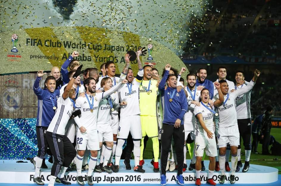 El real madrid campe n del mundial de clubes en la - Tarimas del mundo madrid ...