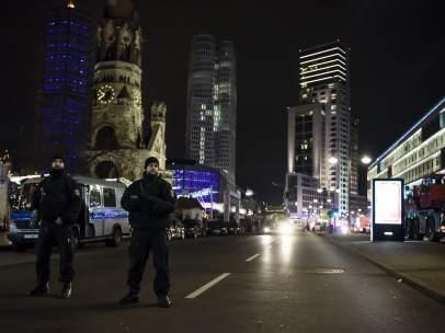 La policía alemana custodia el lugar del atentado