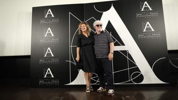 Pedro Almodóvar y Emma Suárez