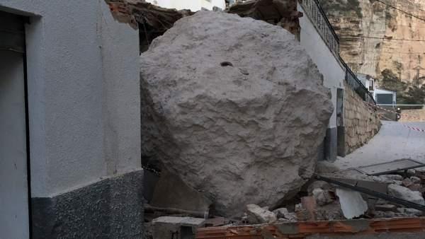 Roca caída en Alcalá del Júcar