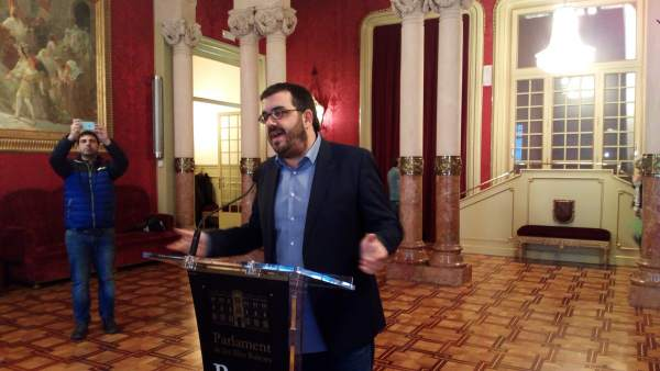 El conseller de Agricultura, Medio Ambiente y Pesca, Vicenç Vidal