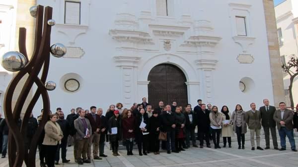 Minuto de silencio en la Asamblea de Extremadura