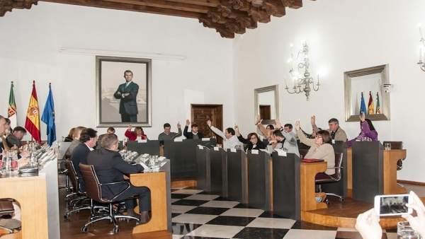 Pleno de la Diputación de Cáceres de Presupuestos 2017