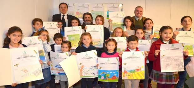 Asaja y la caja rural del sur entregan los premios del for Caja rural del sur oficinas
