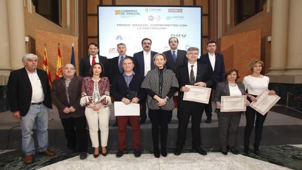 Gastón entrega premios de seguridad laboral del ISSLA
