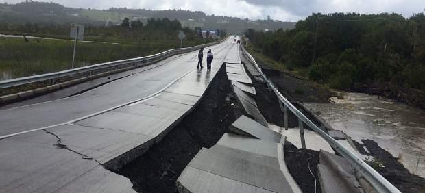 Resultado de imagen de terremoto de magnitud 7,6 sacude el sur de Chile
