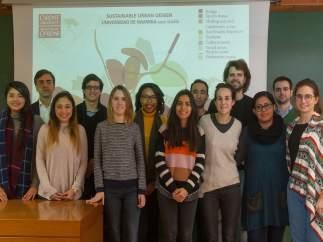 Estudiantes de la Universidad de Navarra participan en un taller en Cardiff.