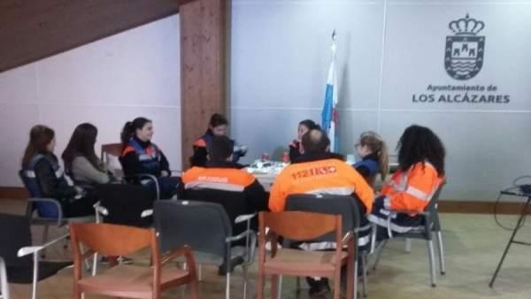 Psicólogos asisten a vecinos de Los Alcázares afectados por las inundaciones