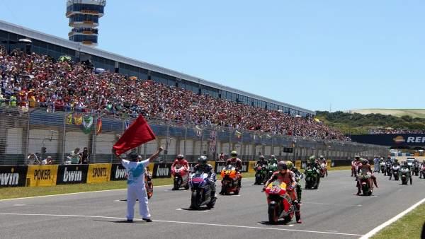 Salida de carrera en el Circuito de Jerez