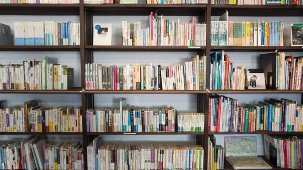 El 25% dels alumnes valencians té més de 200 llibres a casa, segons l'informe PISA