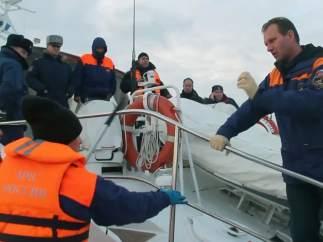 Operativo de búsqueda de cuerpos del avión ruso en el Mar Negro