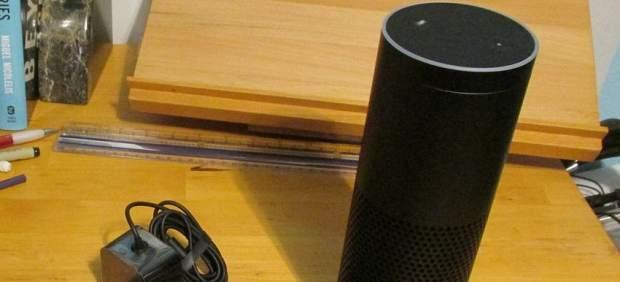 Los mayordomos virtuales de Amazon y Google ya asustan a sus dueños: dicen