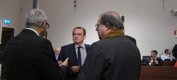 Sánchez Quero hablando con los portavoces de los grupos en la DPZ